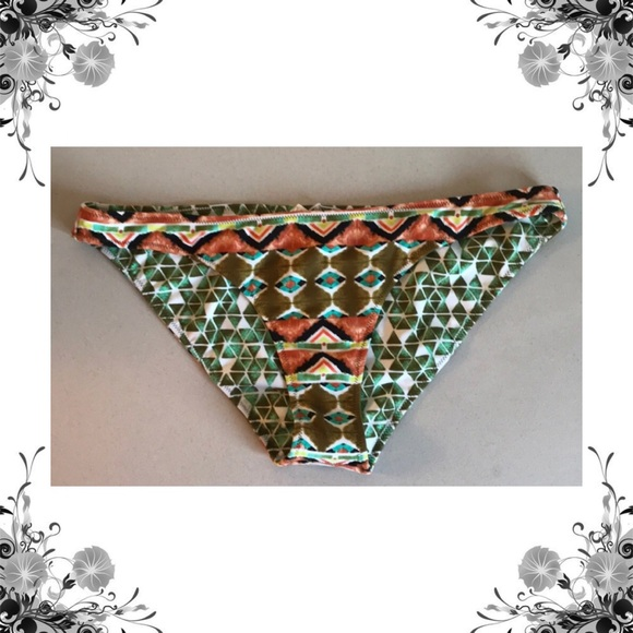 bca25667967c3  Volcom  Reversible Native Drift Bikini Bottoms